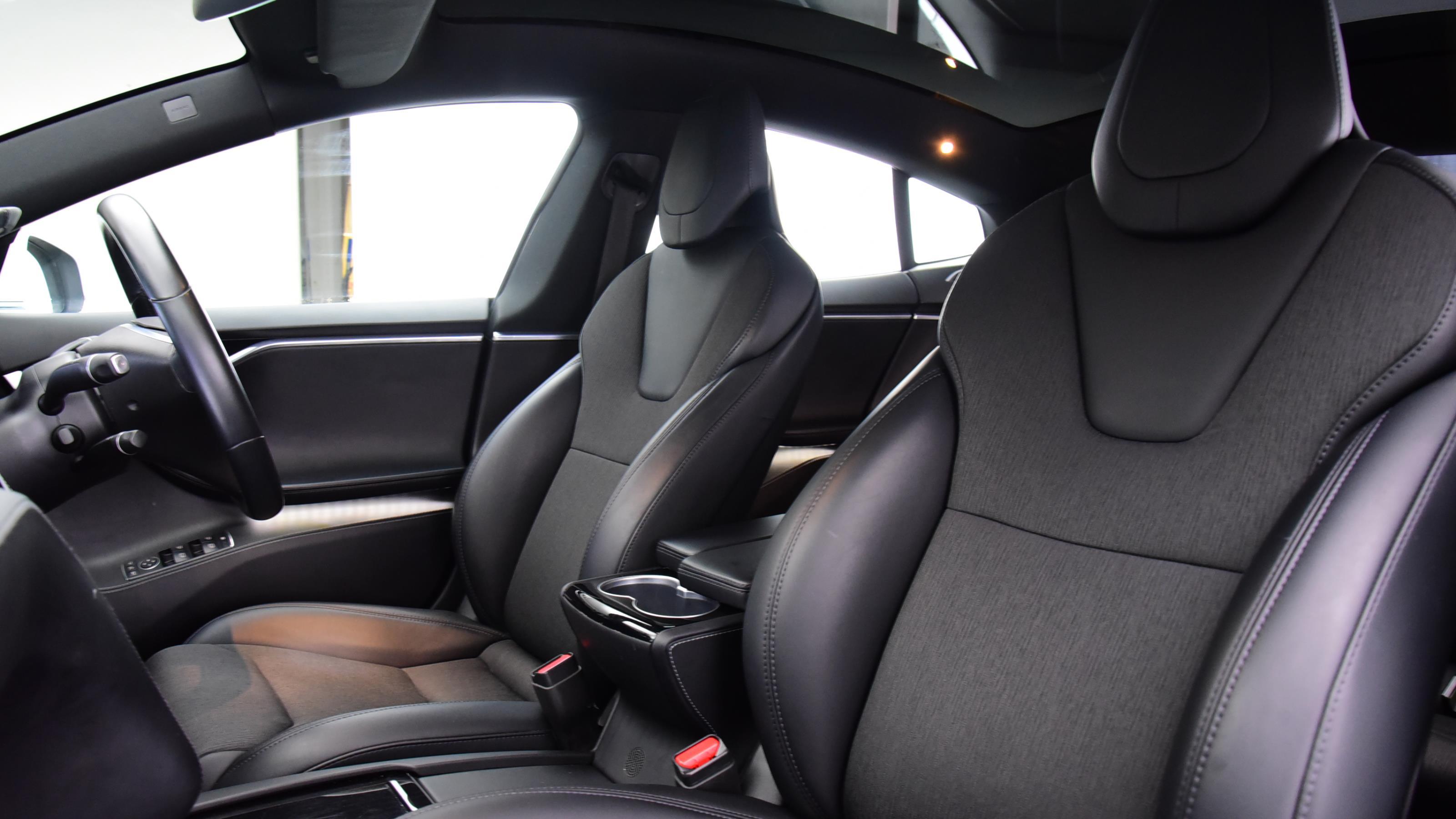 Used 2018 Tesla MODEL S 449kW 100kWh Dual Motor 5dr Auto WHITE at Saxton4x4