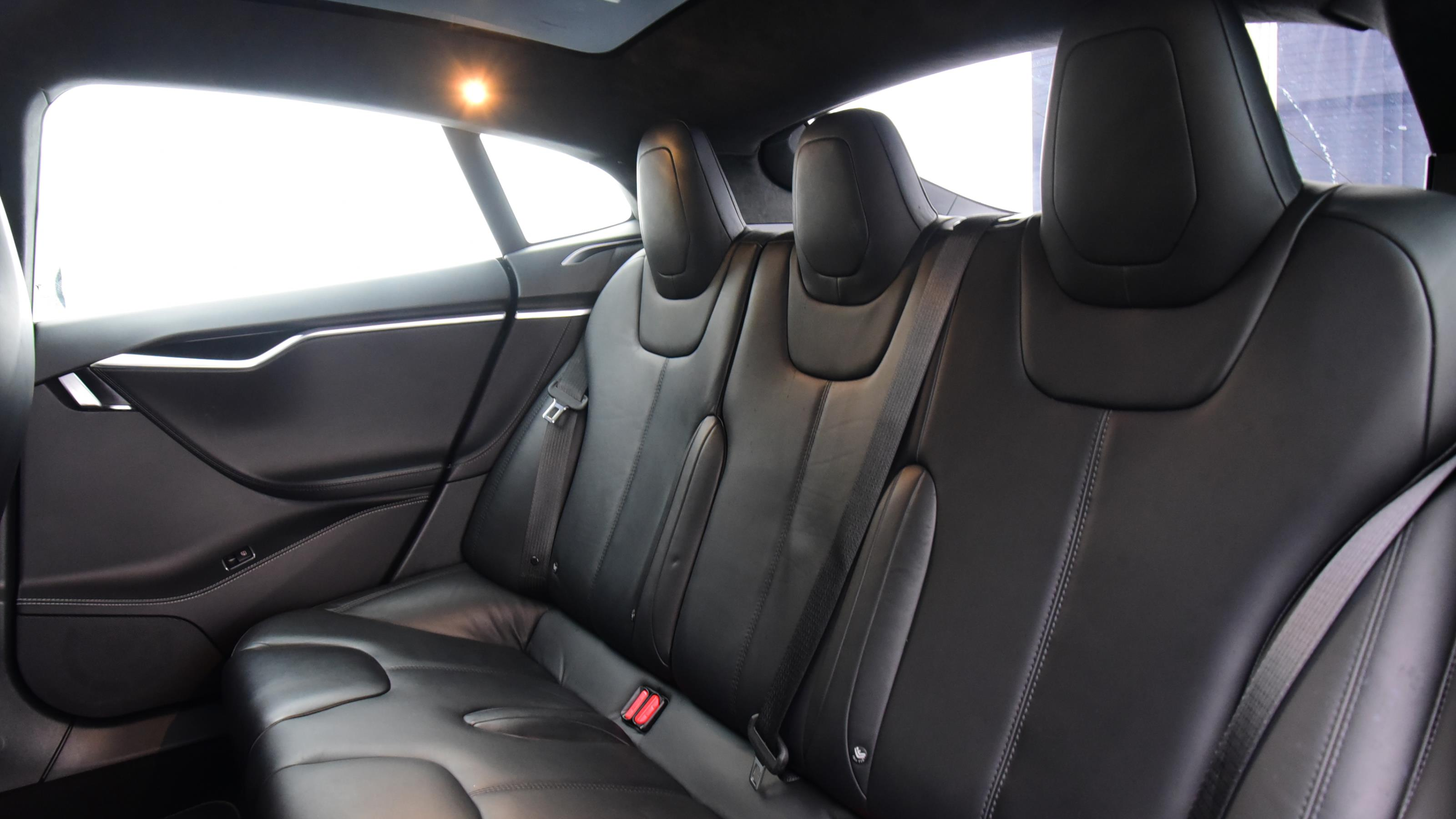 Used 2017 Tesla MODEL S 449kW 100kWh Dual Motor 5dr Auto WHITE at Saxton4x4