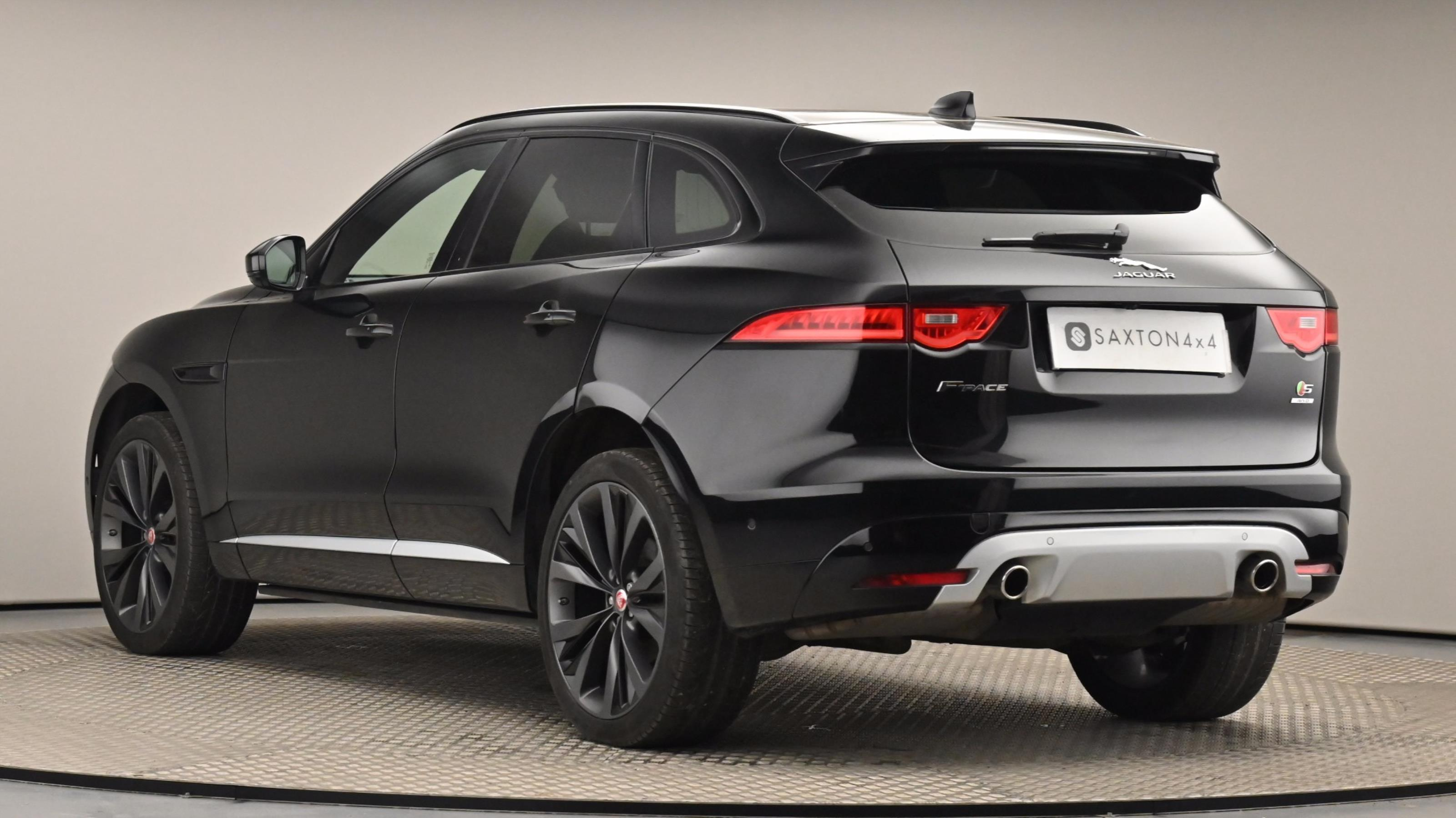 Used 2016 Jaguar F-PACE 3.0d V6 1st Edition 5dr Auto AWD Black at Saxton4x4