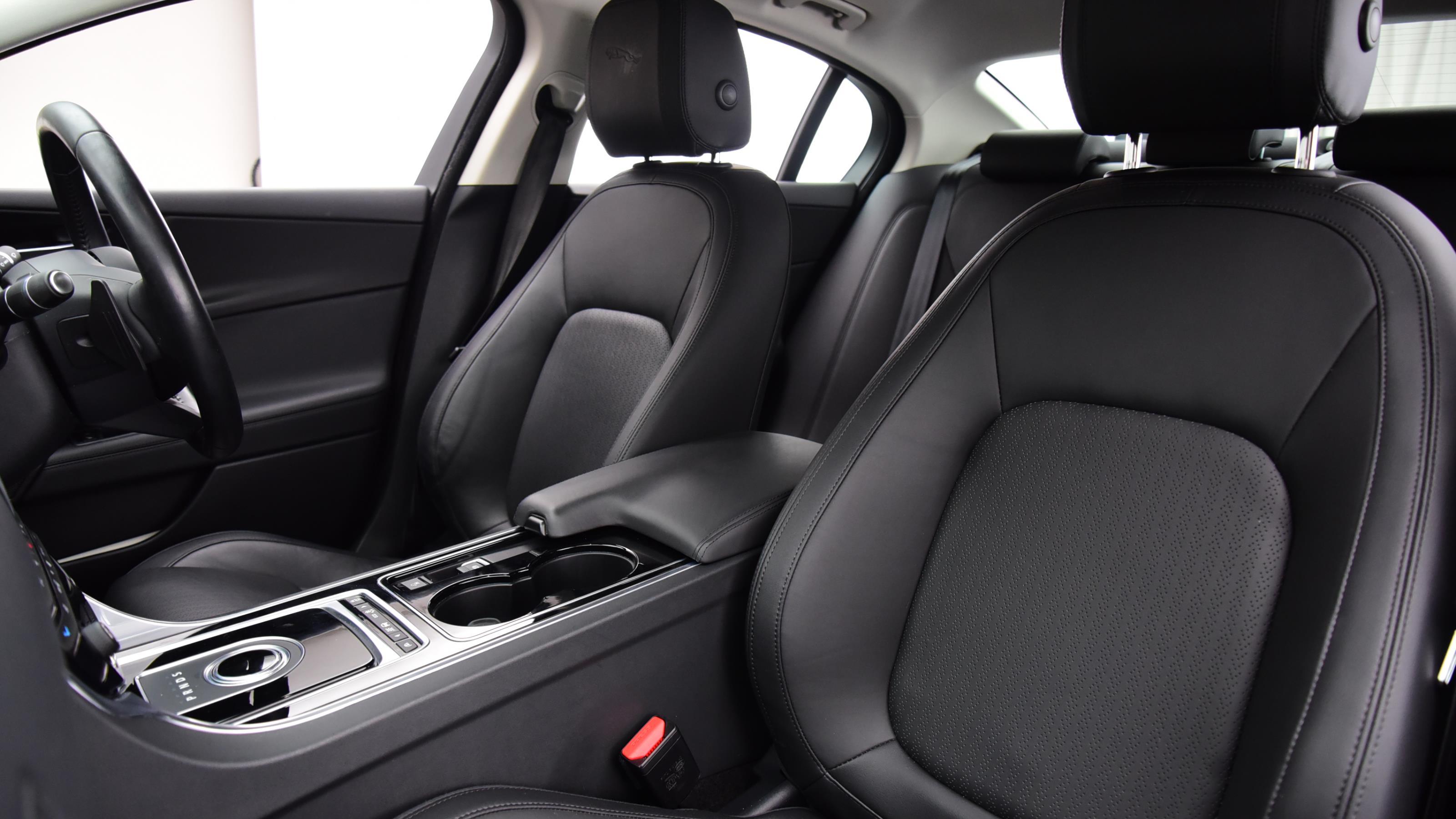 Used 15 Jaguar XE 2.0 [240] Portfolio 4dr Auto Red at Saxton4x4
