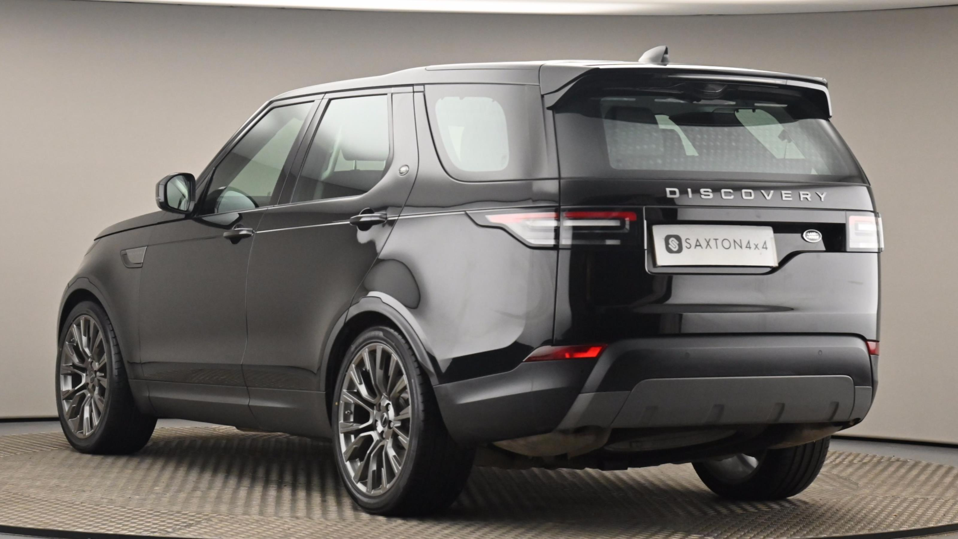 Used 2017 Land Rover DISCOVERY 3.0 TD6 SE 5dr Auto BLACK at Saxton4x4