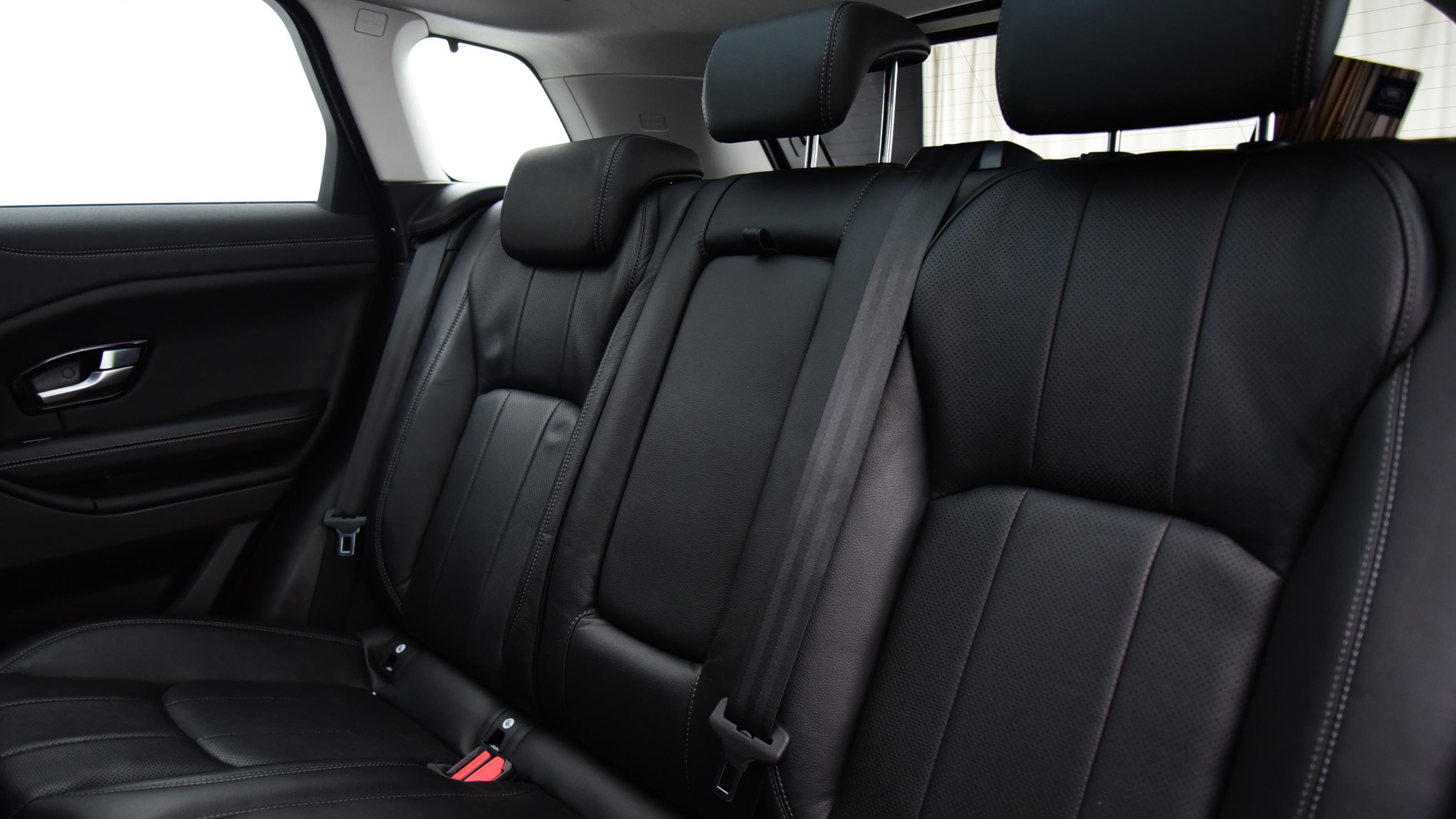 Used 16 Land Rover RANGE ROVER EVOQUE 2.0 TD4 SE Tech 5dr Auto Grey at Saxton4x4