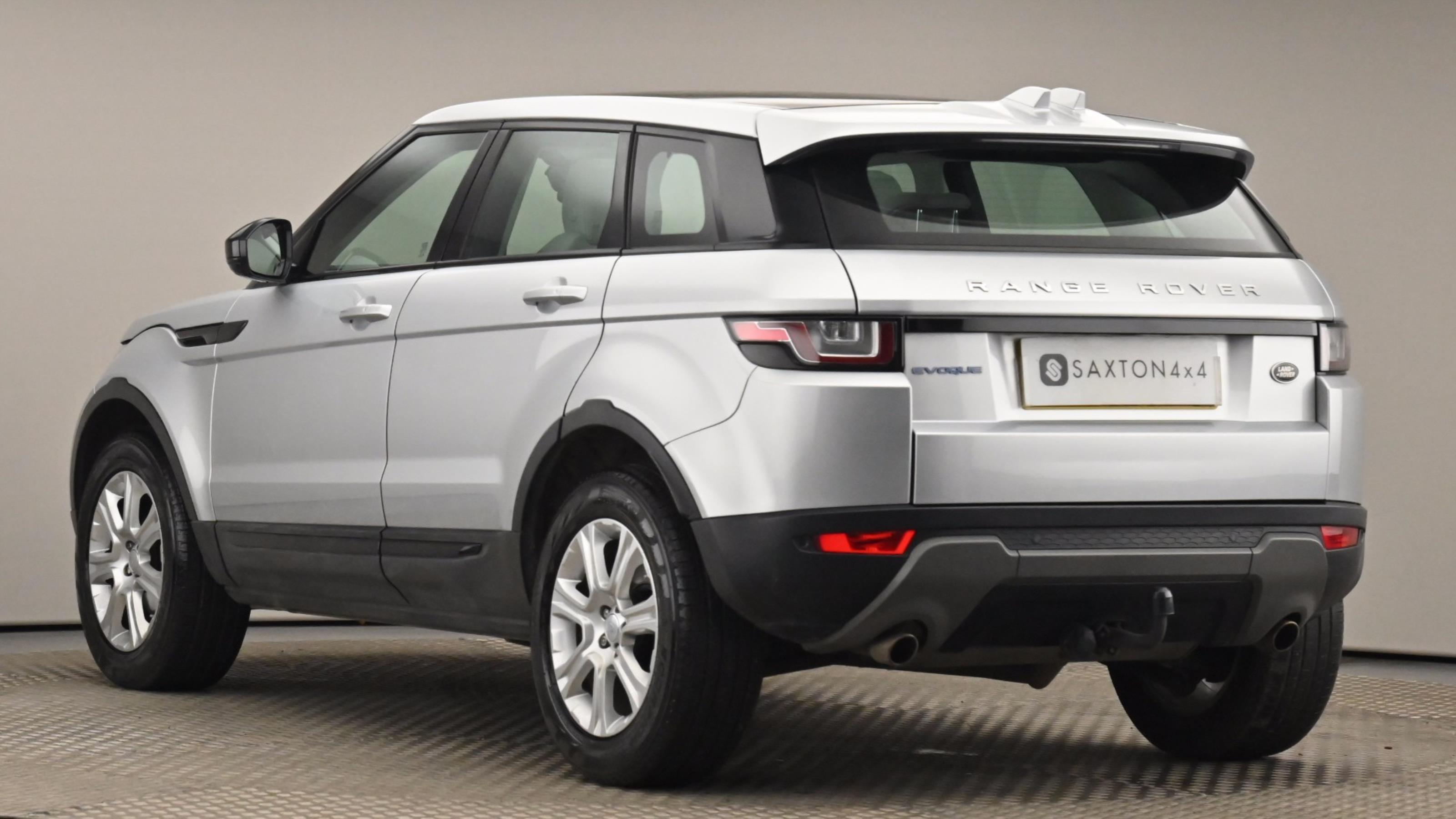 Used 16 Land Rover RANGE ROVER EVOQUE 2.0 eD4 SE Tech 5dr 2WD SILVER at Saxton4x4
