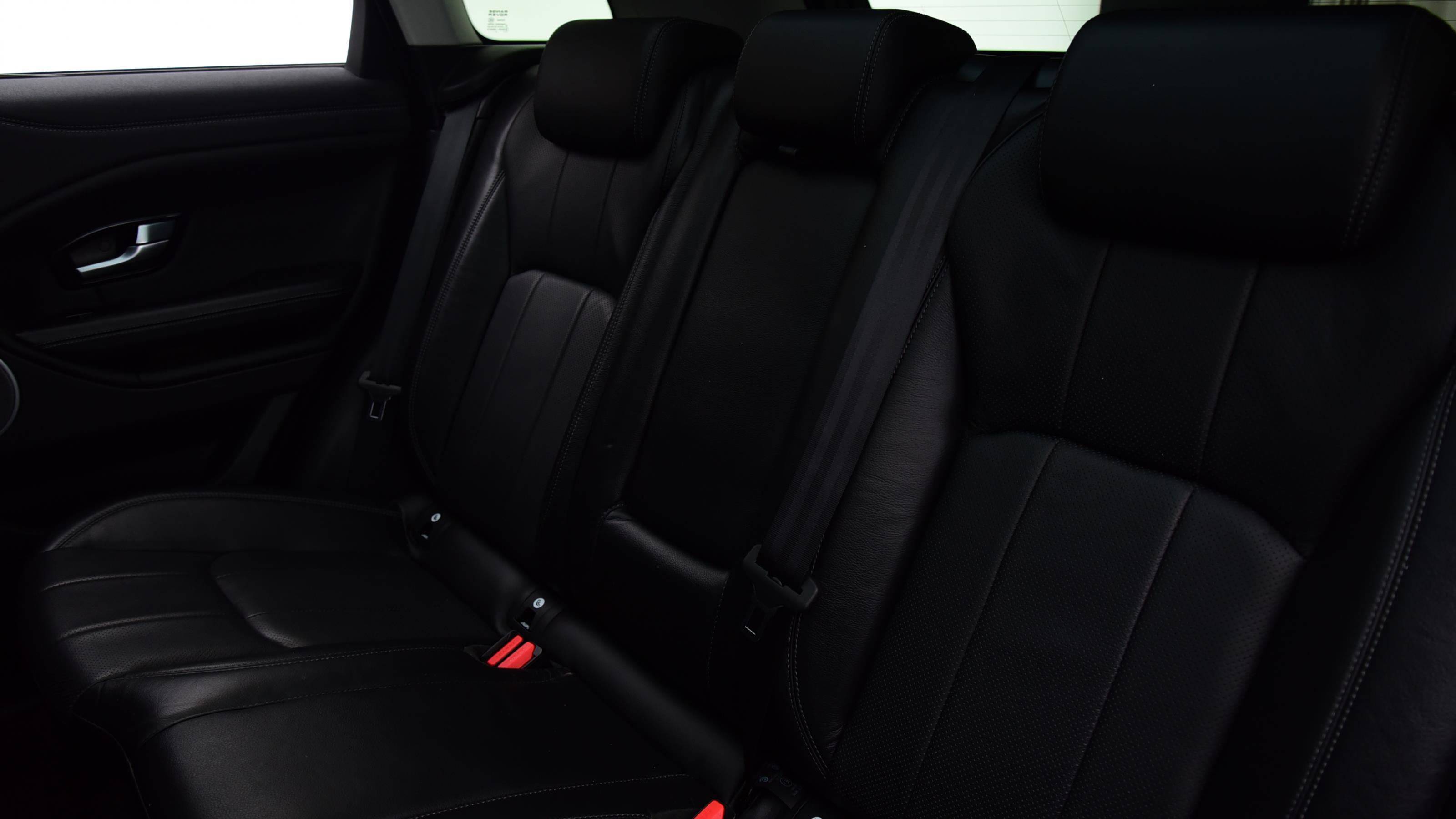 Used 16 Land Rover RANGE ROVER EVOQUE 2.0 eD4 SE Tech 5dr 2WD BLACK at Saxton4x4