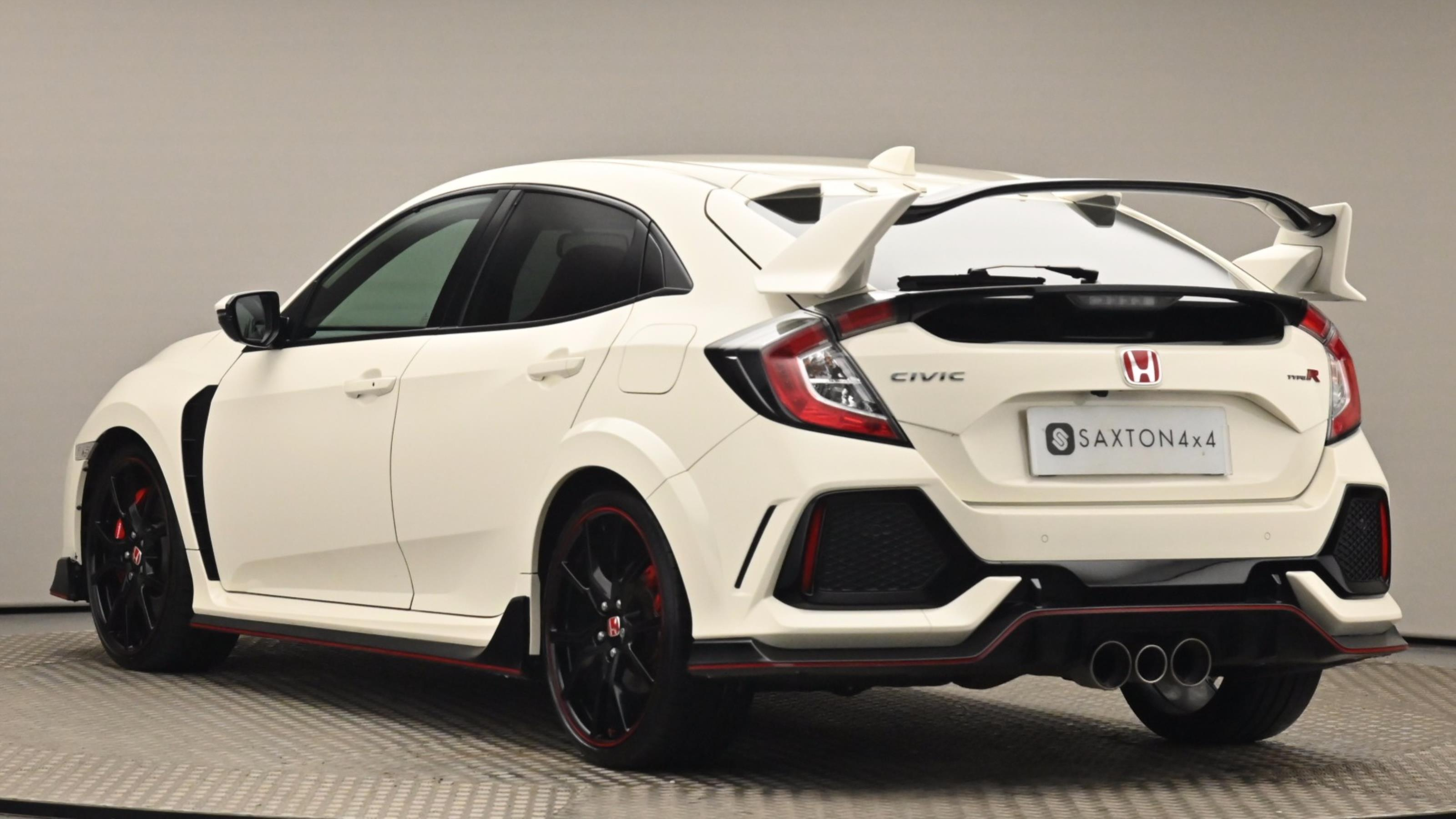 Used 2018 Honda CIVIC 2.0 VTEC Turbo Type R GT 5dr WHITE at Saxton4x4