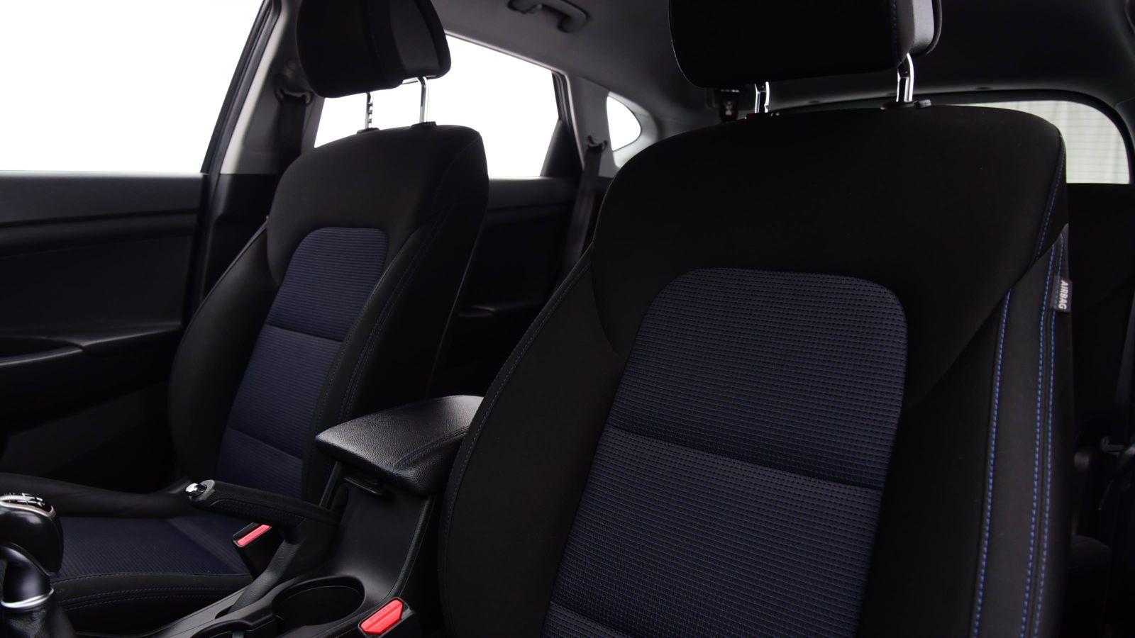 Used 16 Hyundai TUCSON 1.6 GDi Blue Drive SE Nav 5dr 2WD BLACK at Saxton4x4
