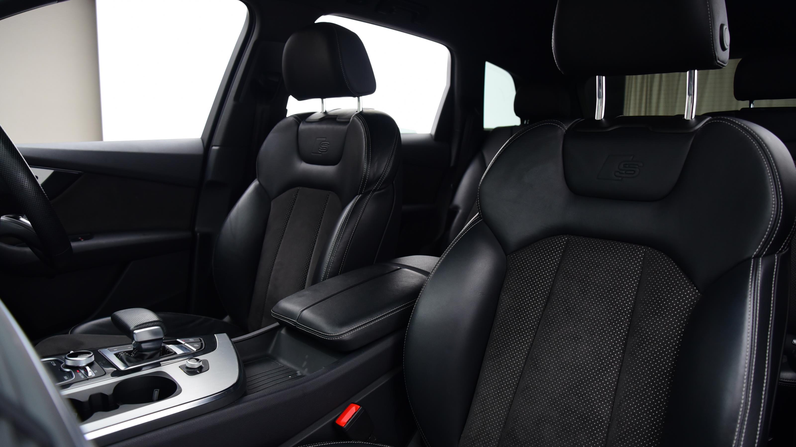 Used 2017 Audi Q7 3.0 TDI Quattro S Line 5dr Tip Auto WHITE at Saxton4x4