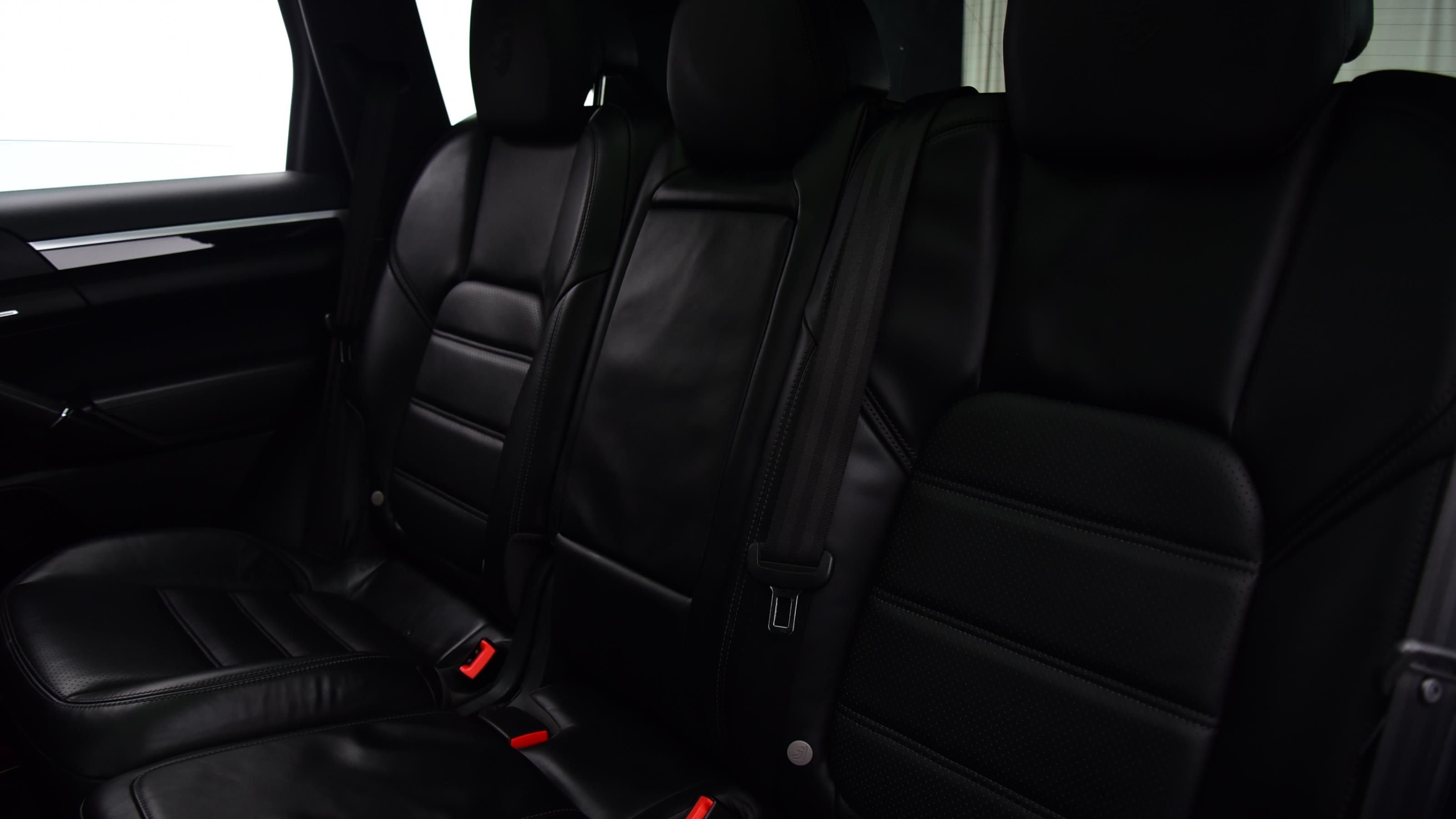 Used 2016 Porsche CAYENNE S Diesel 5dr Tiptronic S WHITE at Saxton4x4
