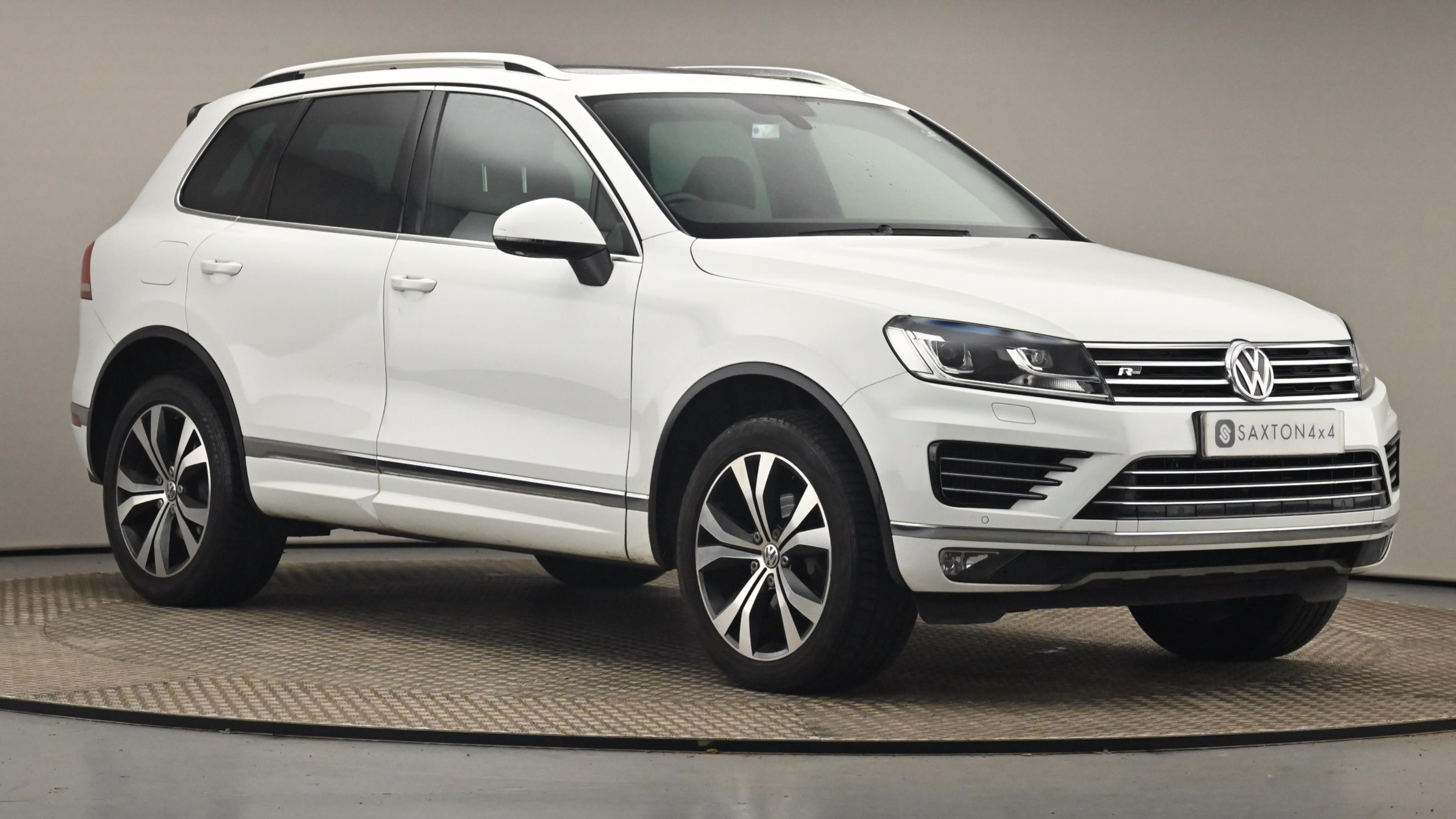 Used 2016 Volkswagen TOUAREG 3.0 V6 TDI BlueMotion Tech 262 R Line 5dr Tip Auto WHITE at Saxton4x4
