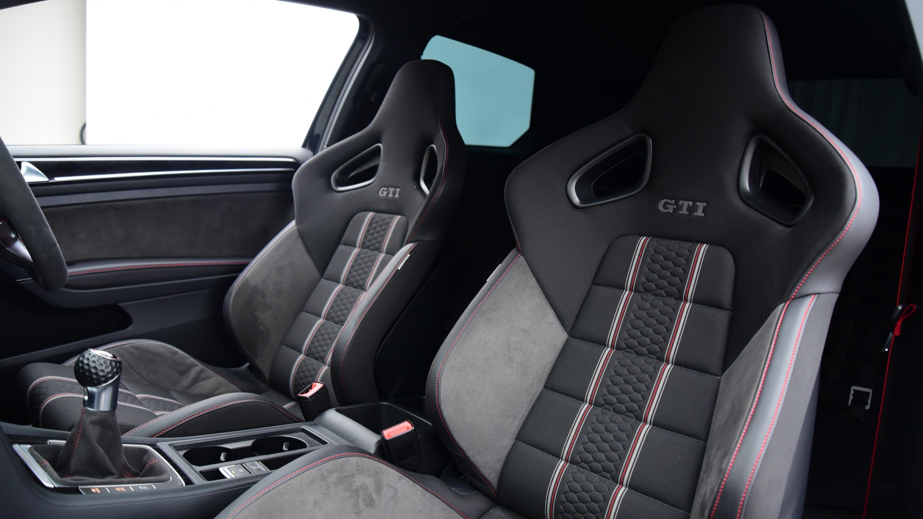 Used 16 Volkswagen GOLF 2.0 TSI GTI Clubsport S 3dr BLACK at Saxton4x4