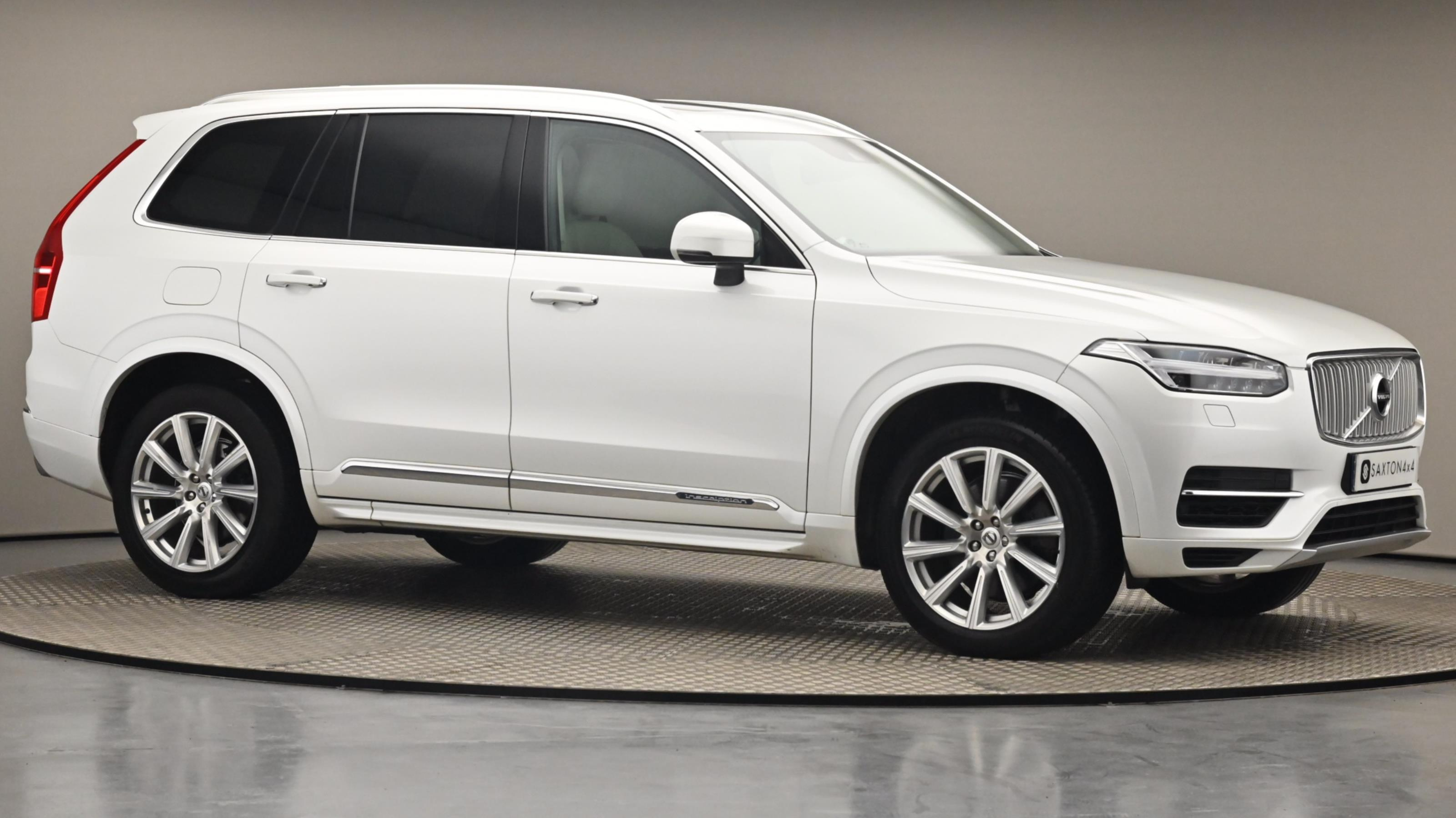 Used 2017 Volvo XC90 2.0 T8 Hybrid Inscription 5dr Geartronic White at Saxton4x4