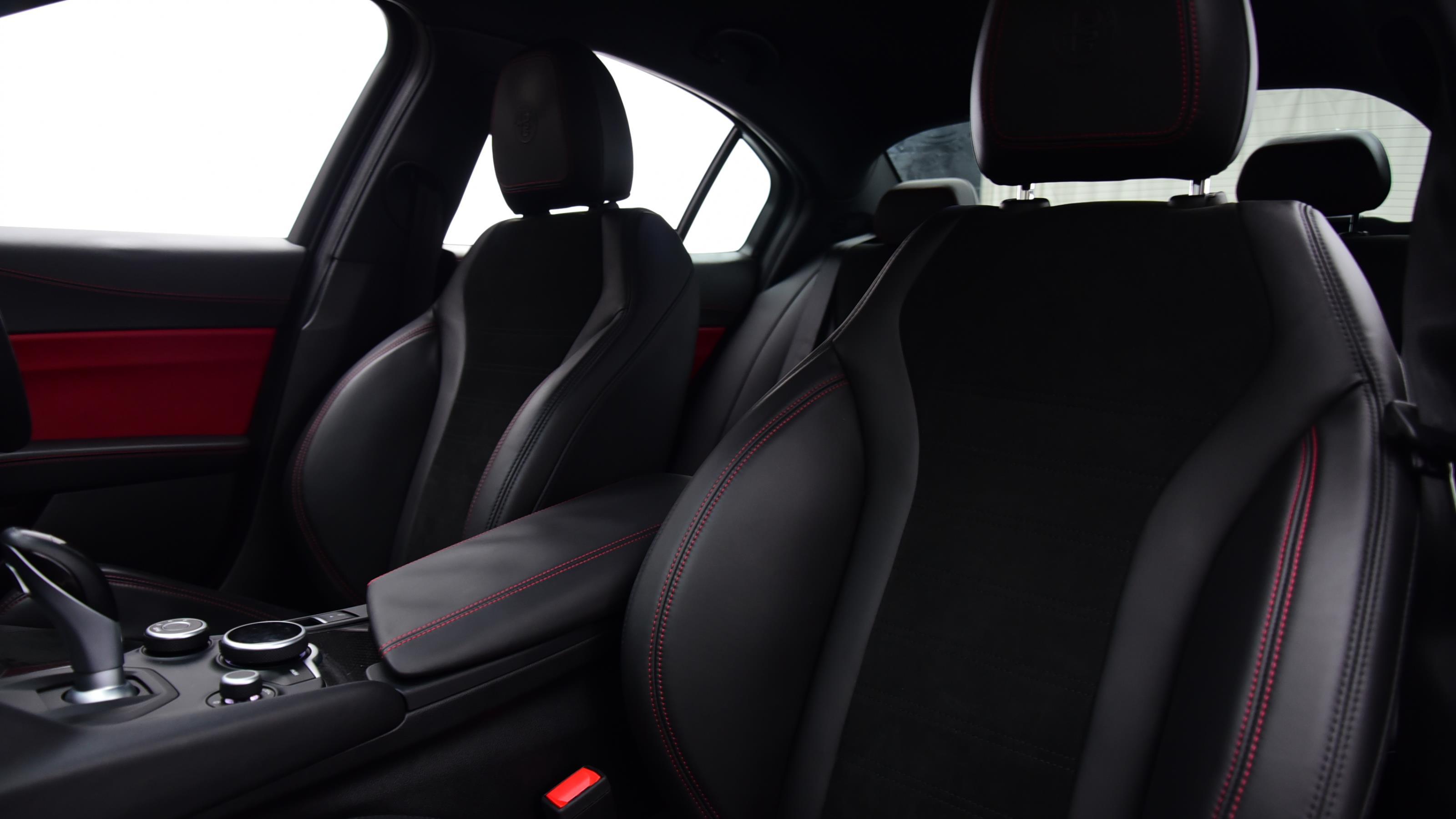 Used 2017 Alfa Romeo GIULIA 2.9 V6 BiTurbo Quadrifoglio 4dr Auto RED at Saxton4x4