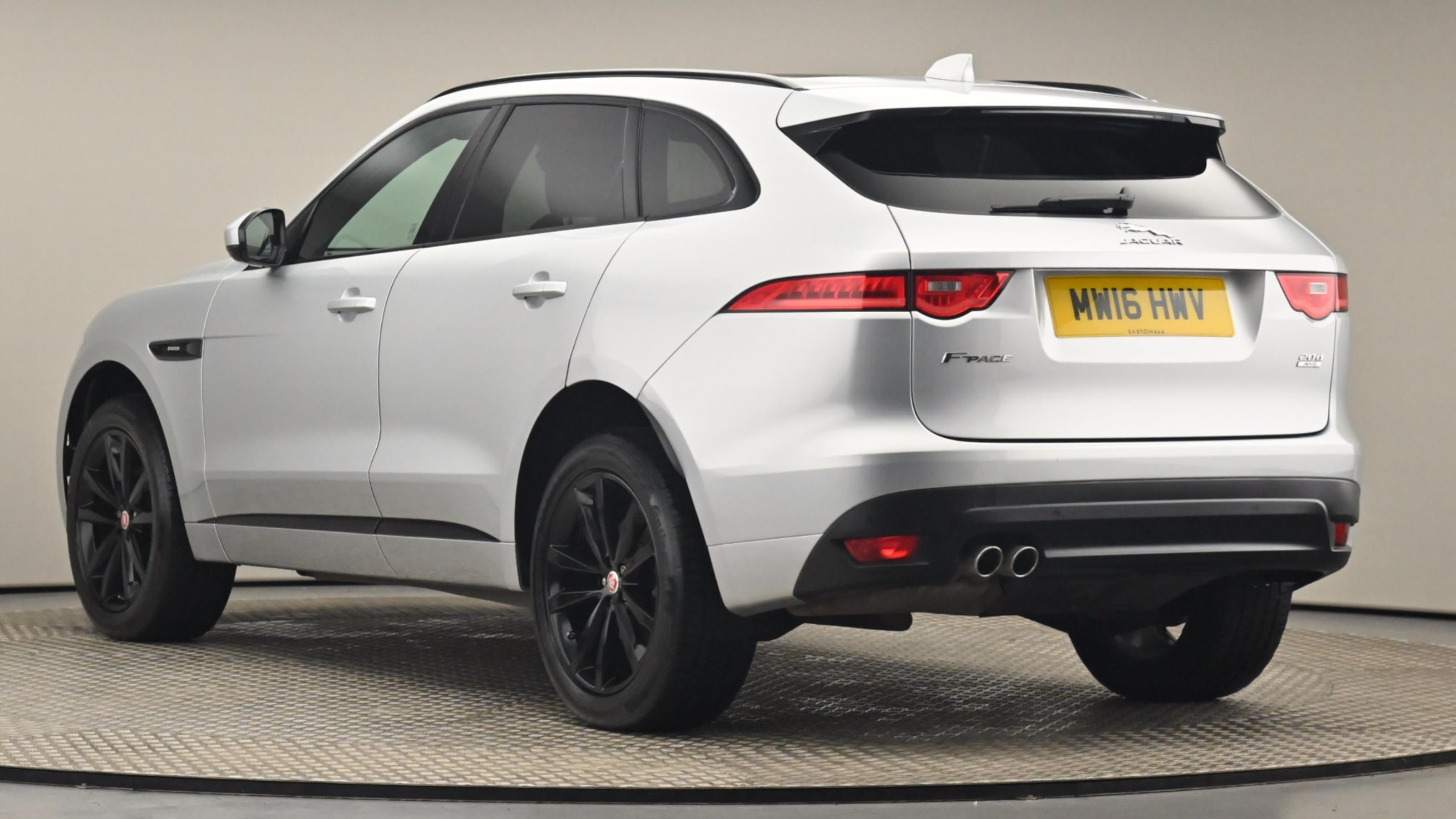 Used 2016 Jaguar F-PACE 2.0d R-Sport 5dr Auto AWD SILVER at Saxton4x4