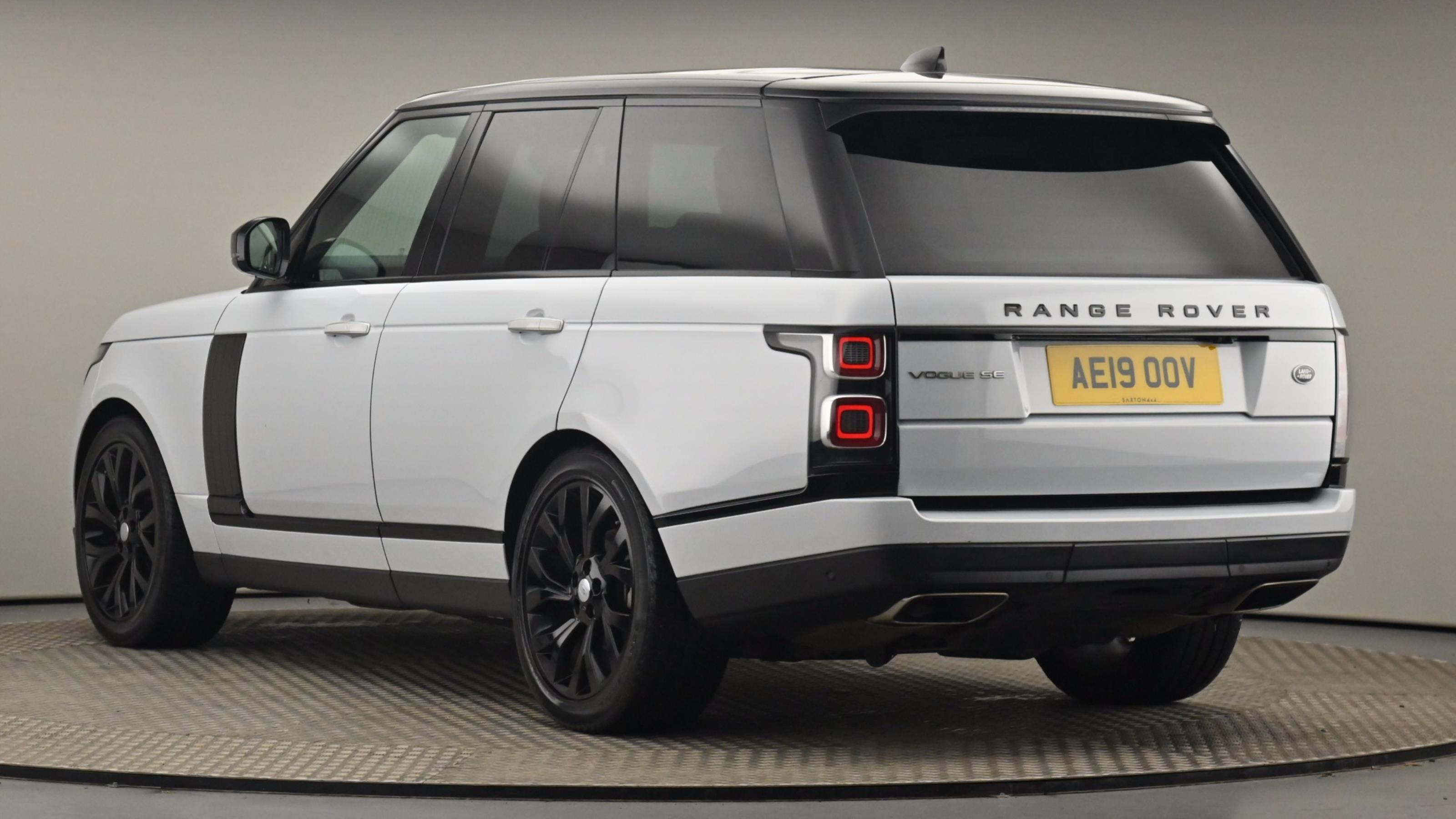 Used 2019 Land Rover RANGE ROVER 3.0 SDV6 Vogue SE 4dr Auto WHITE at Saxton4x4