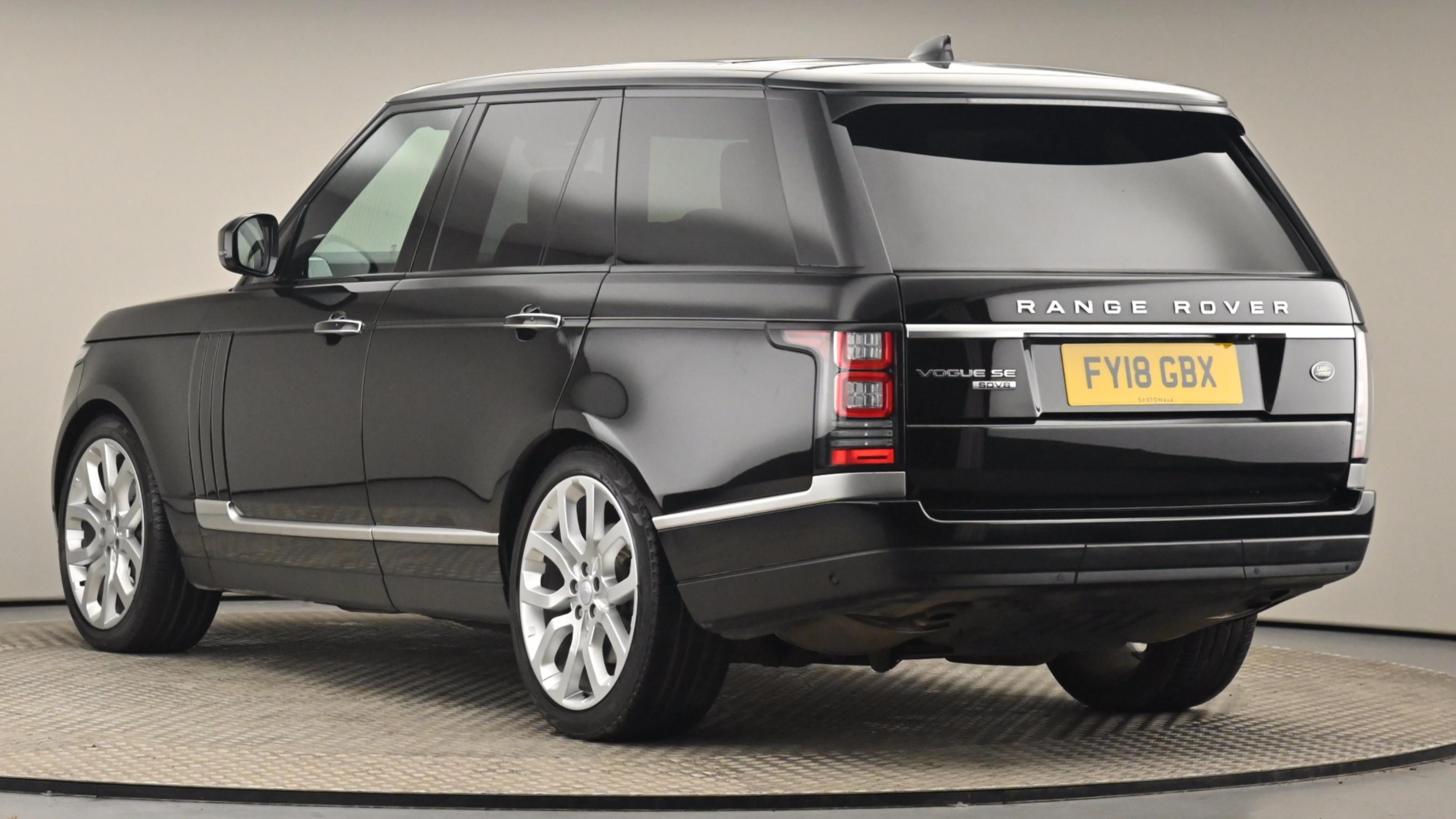Used 2018 Land Rover RANGE ROVER 4.4 SDV8 Vogue SE 4dr Auto BLACK at Saxton4x4