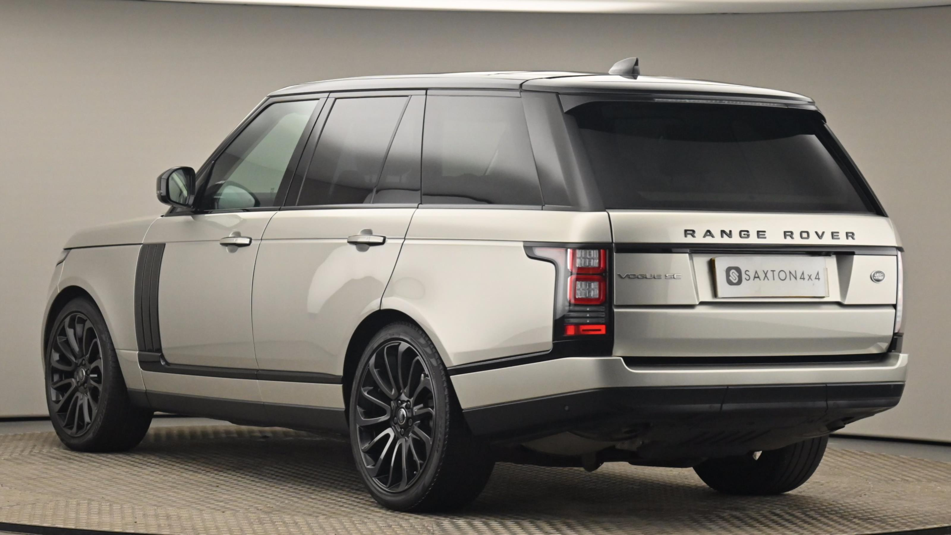 Used 2017 Land Rover RANGE ROVER 3.0 TDV6 Vogue SE 4dr Auto GOLD at Saxton4x4