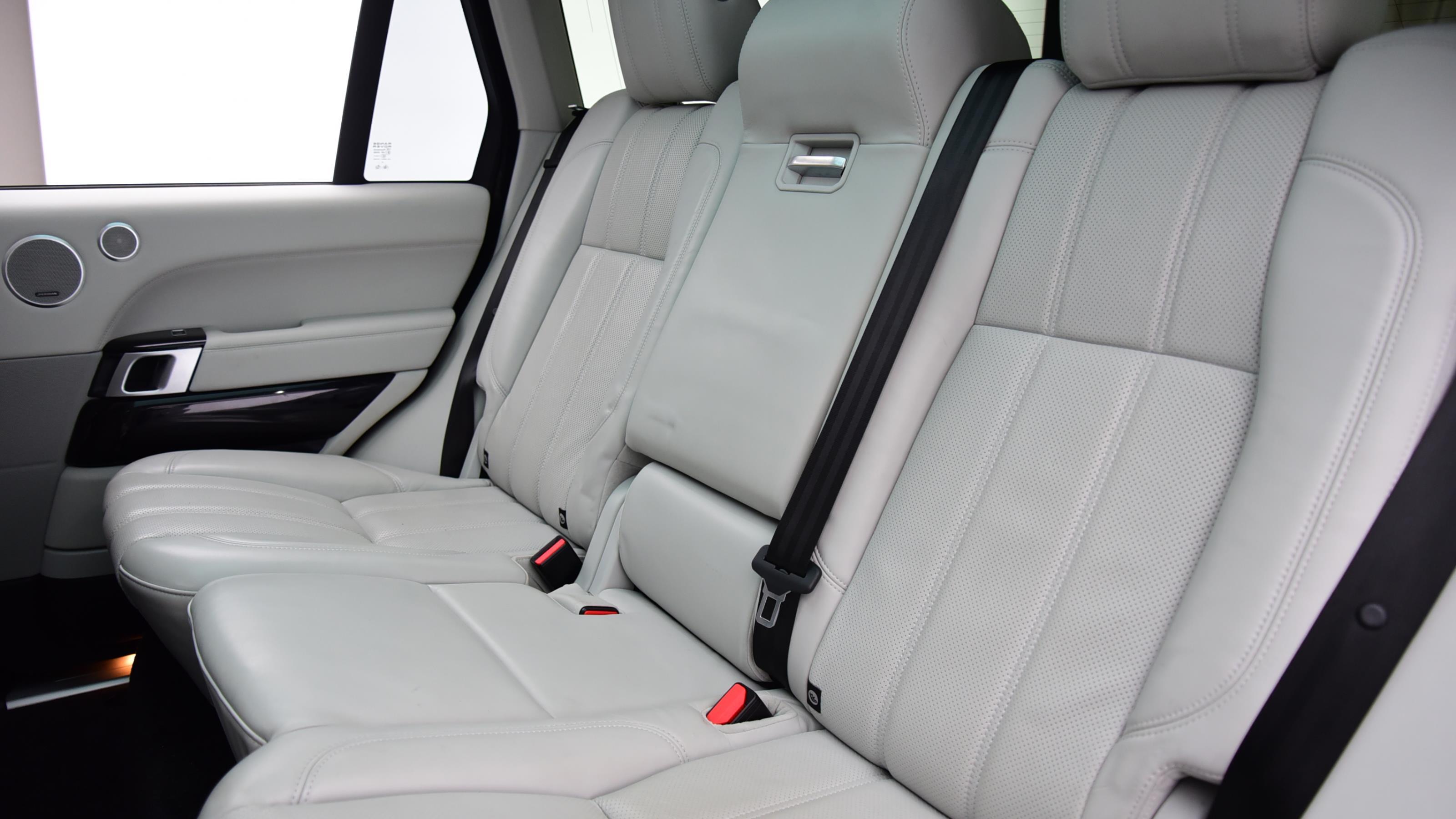 Used 2017 Land Rover RANGE ROVER 3.0 TDV6 Vogue 4dr Auto WHITE at Saxton4x4