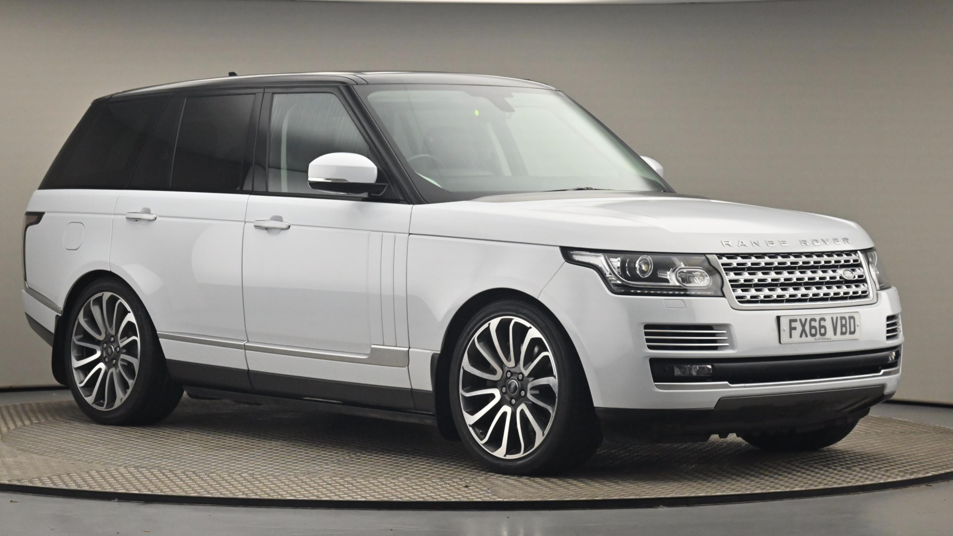 Used 2016 Land Rover RANGE ROVER 4.4 SDV8 Vogue SE 4dr Auto WHITE at Saxton4x4