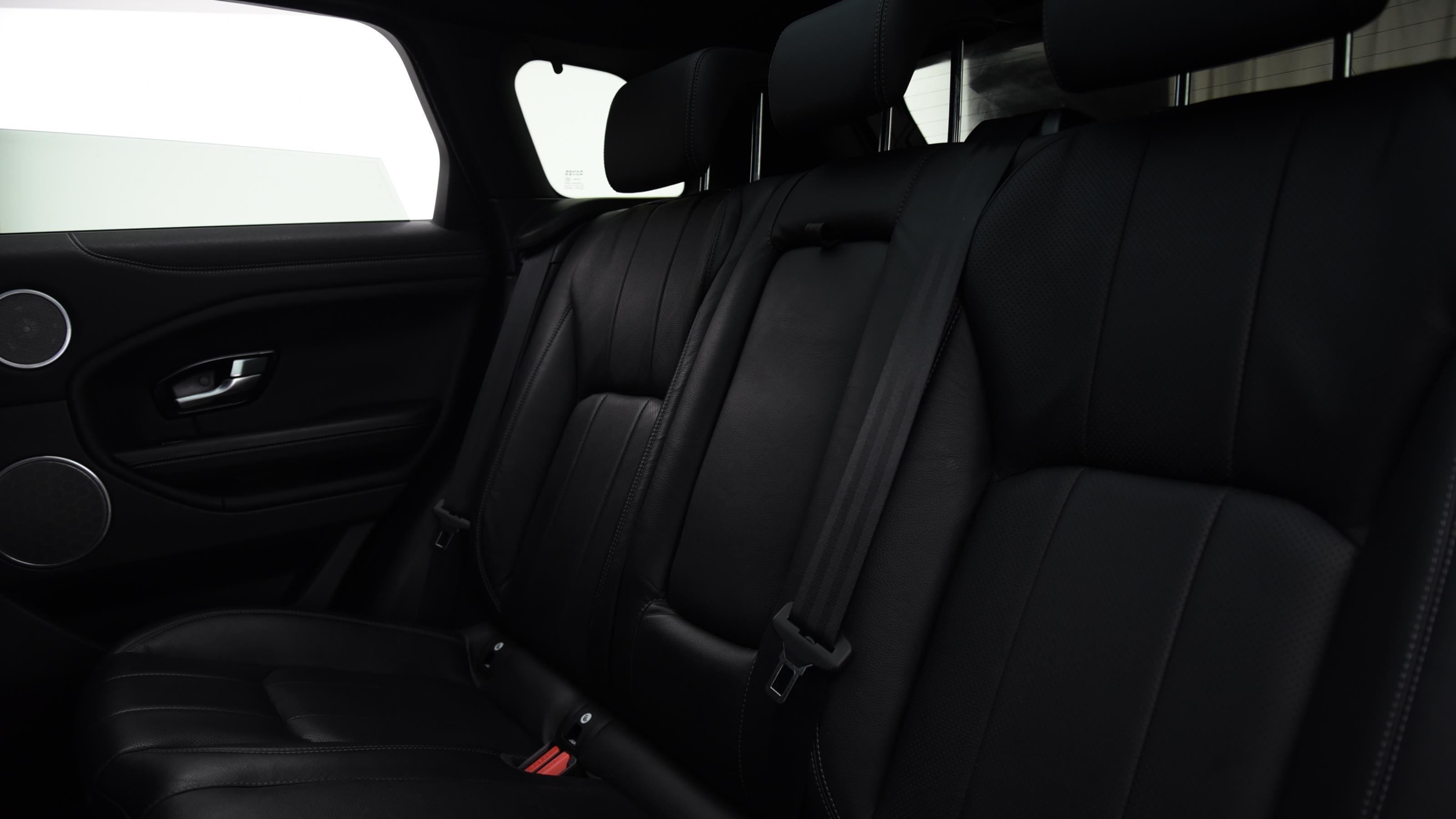 Used 2015 Land Rover RANGE ROVER EVOQUE 2.0 TD4 SE Tech 5dr Auto GREY at Saxton4x4