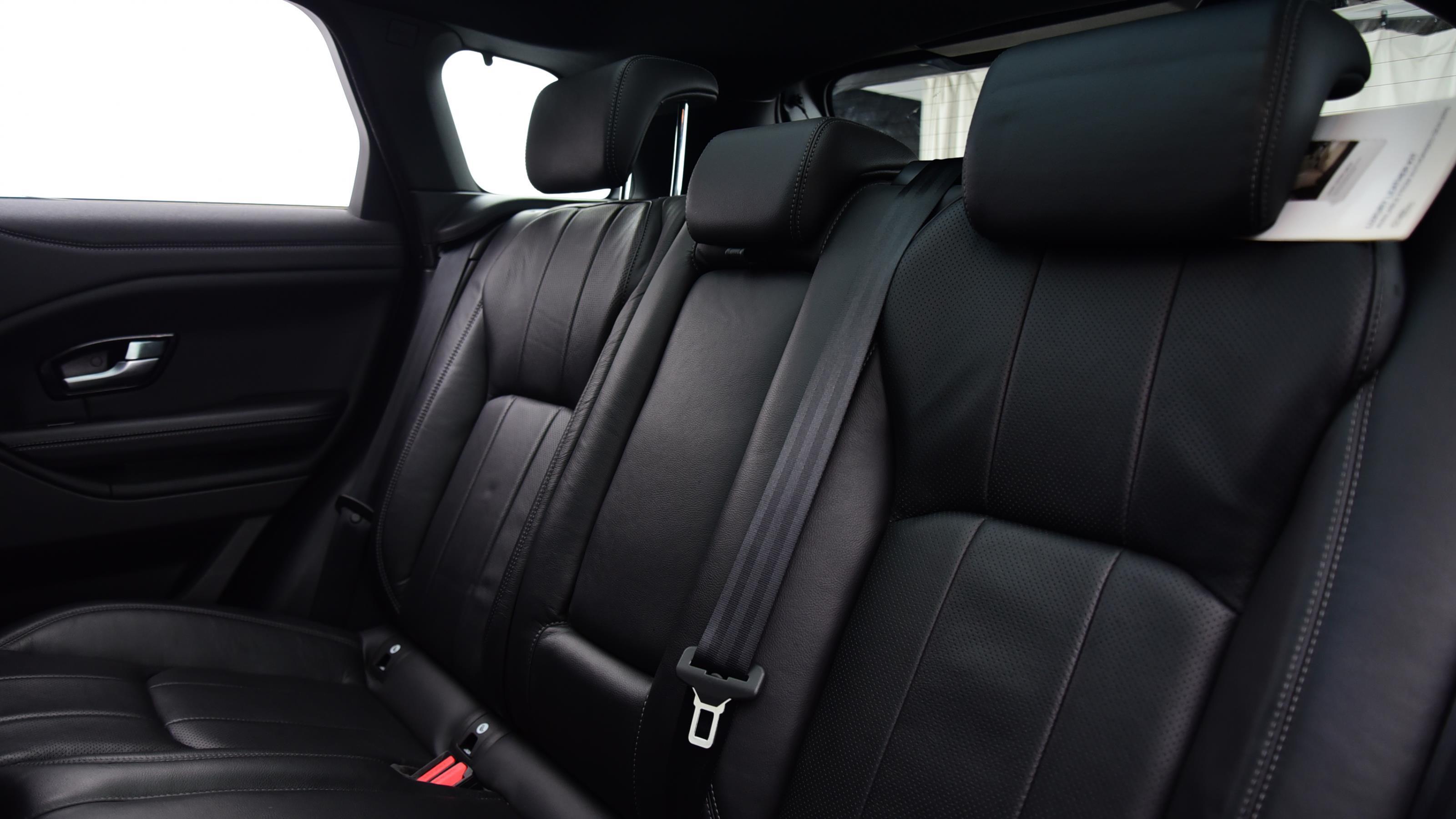 Used 2017 Land Rover RANGE ROVER EVOQUE 2.0 TD4 SE Tech 5dr Auto BLUE at Saxton4x4