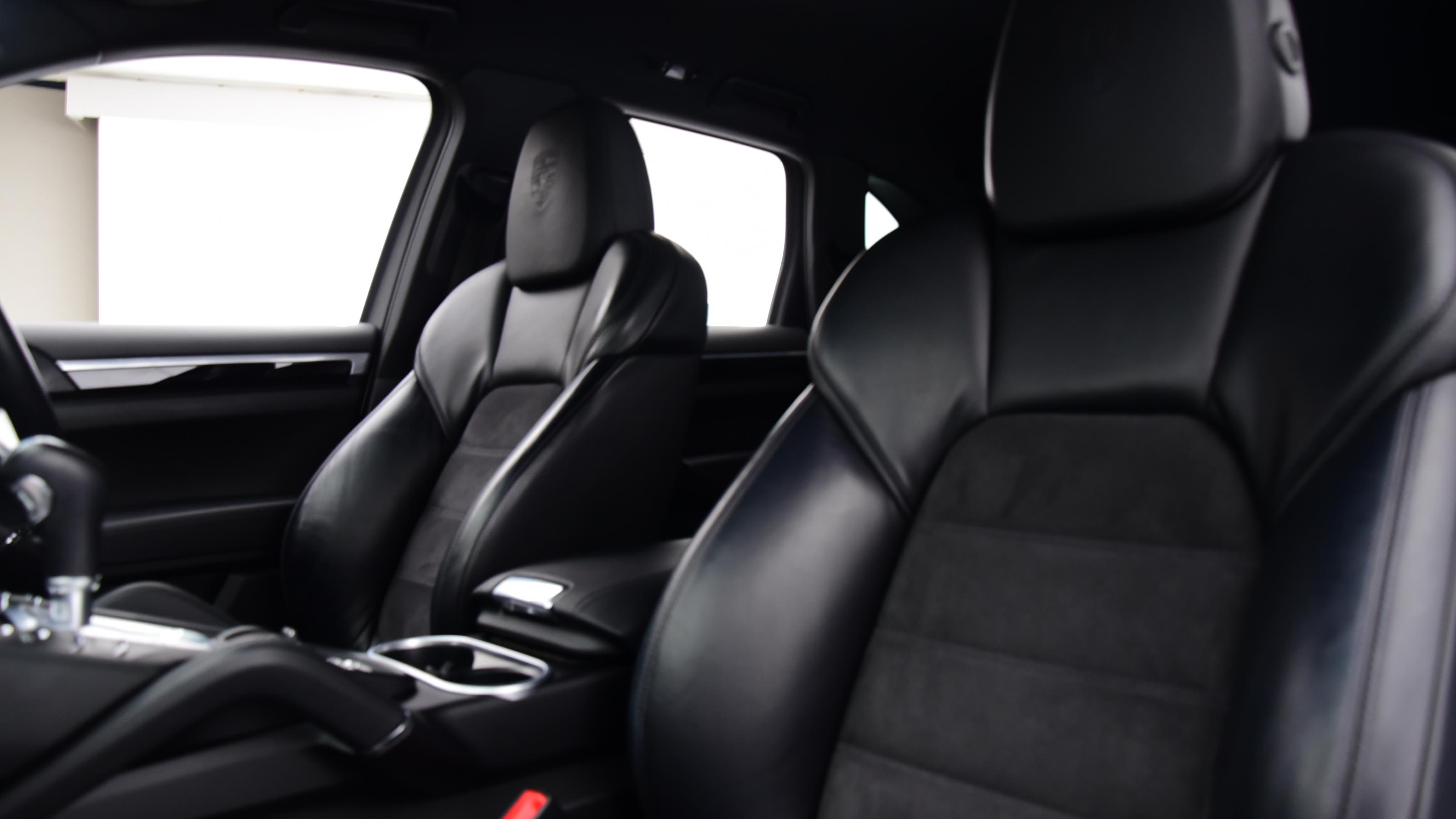 Used 2017 Porsche CAYENNE Platinum Edition Diesel 5dr Tiptronic S BLACK at Saxton4x4