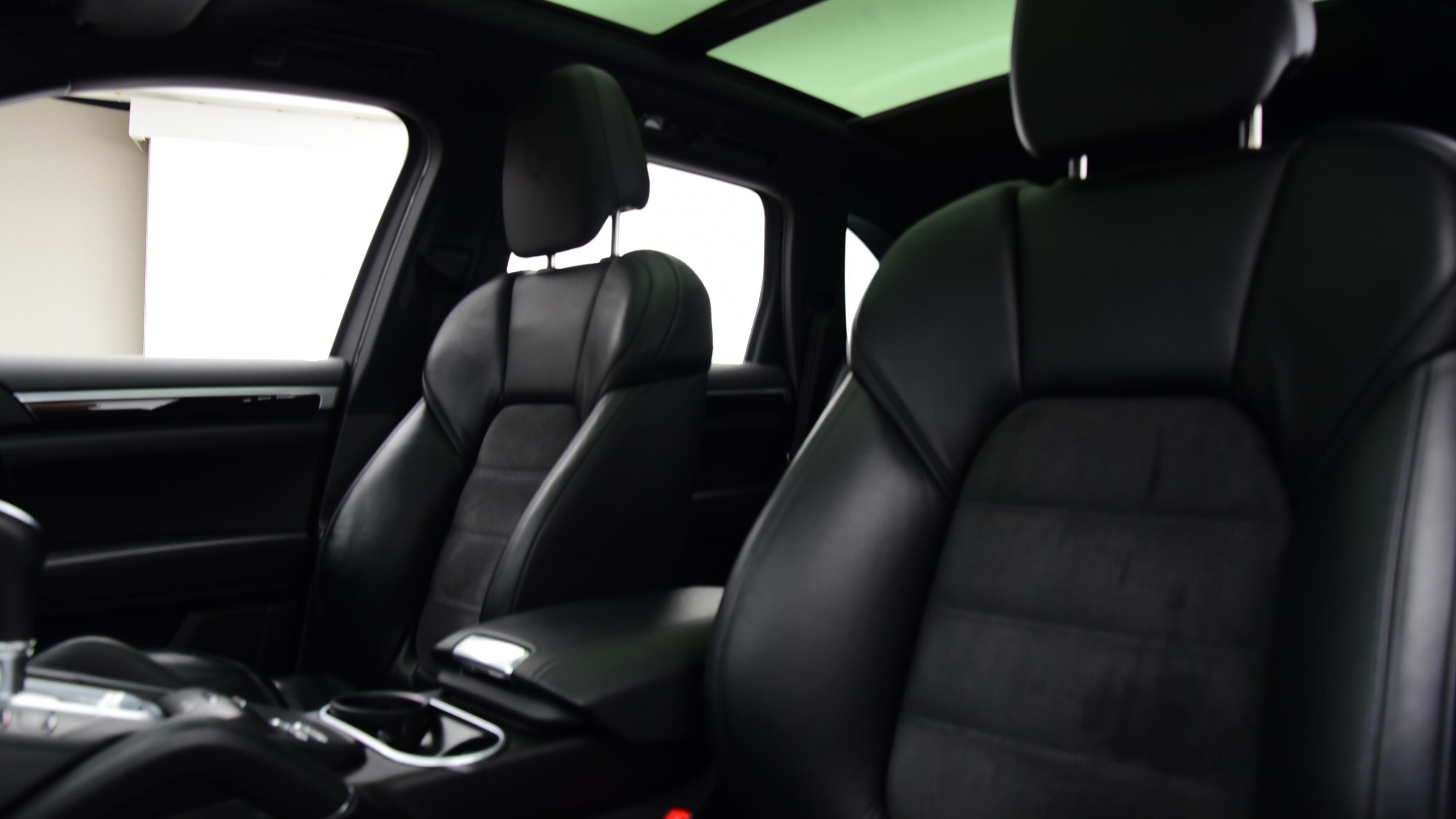 Used 2017 Porsche CAYENNE S Platinum Edition E-Hybrid 5dr Tiptronic S BLACK at Saxton4x4