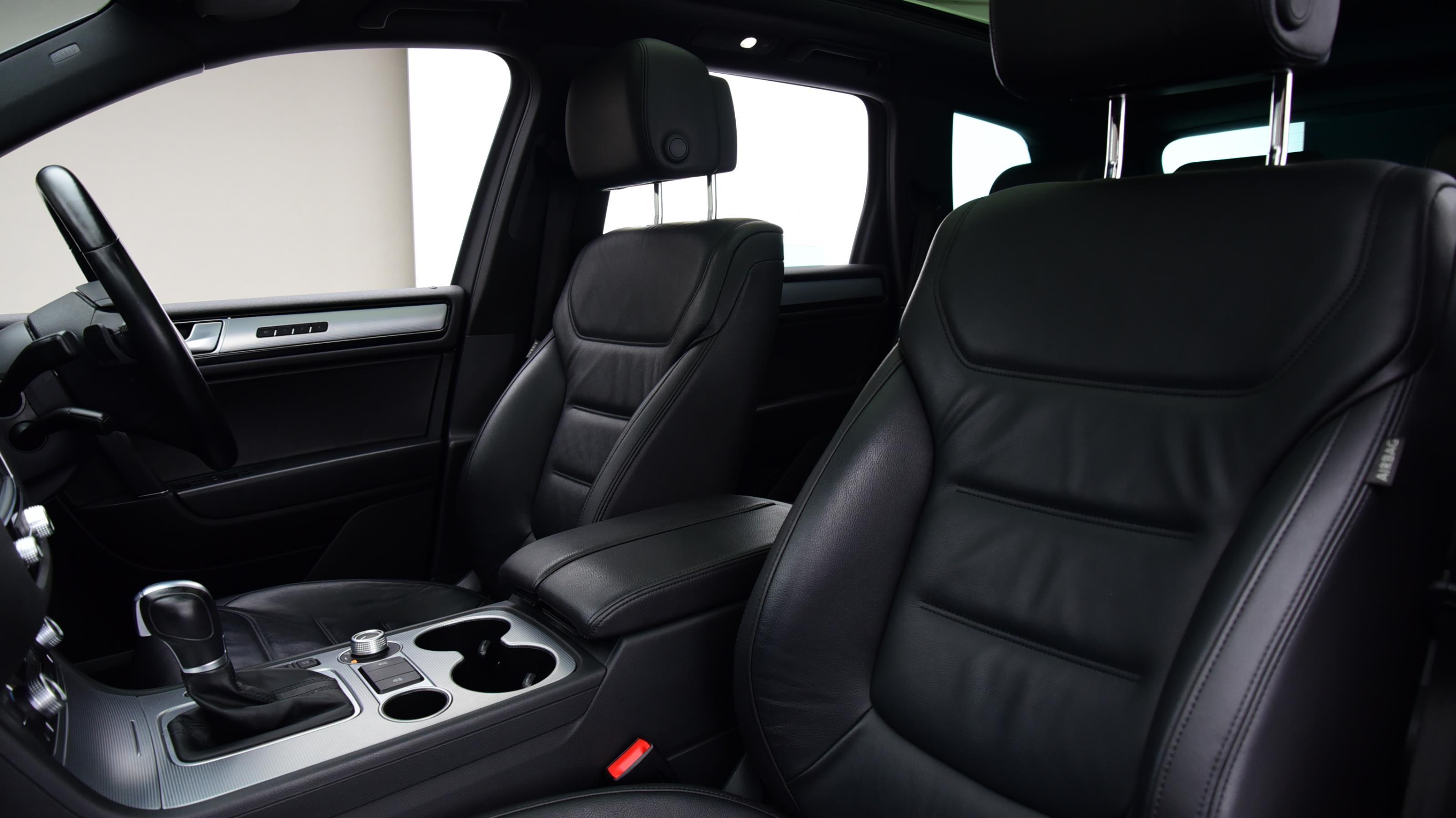 Used 2015 Volkswagen TOUAREG 3.0 V6 TDI BlueMotion Tech 262 R Line 5dr Tip Auto BLACK at Saxton4x4
