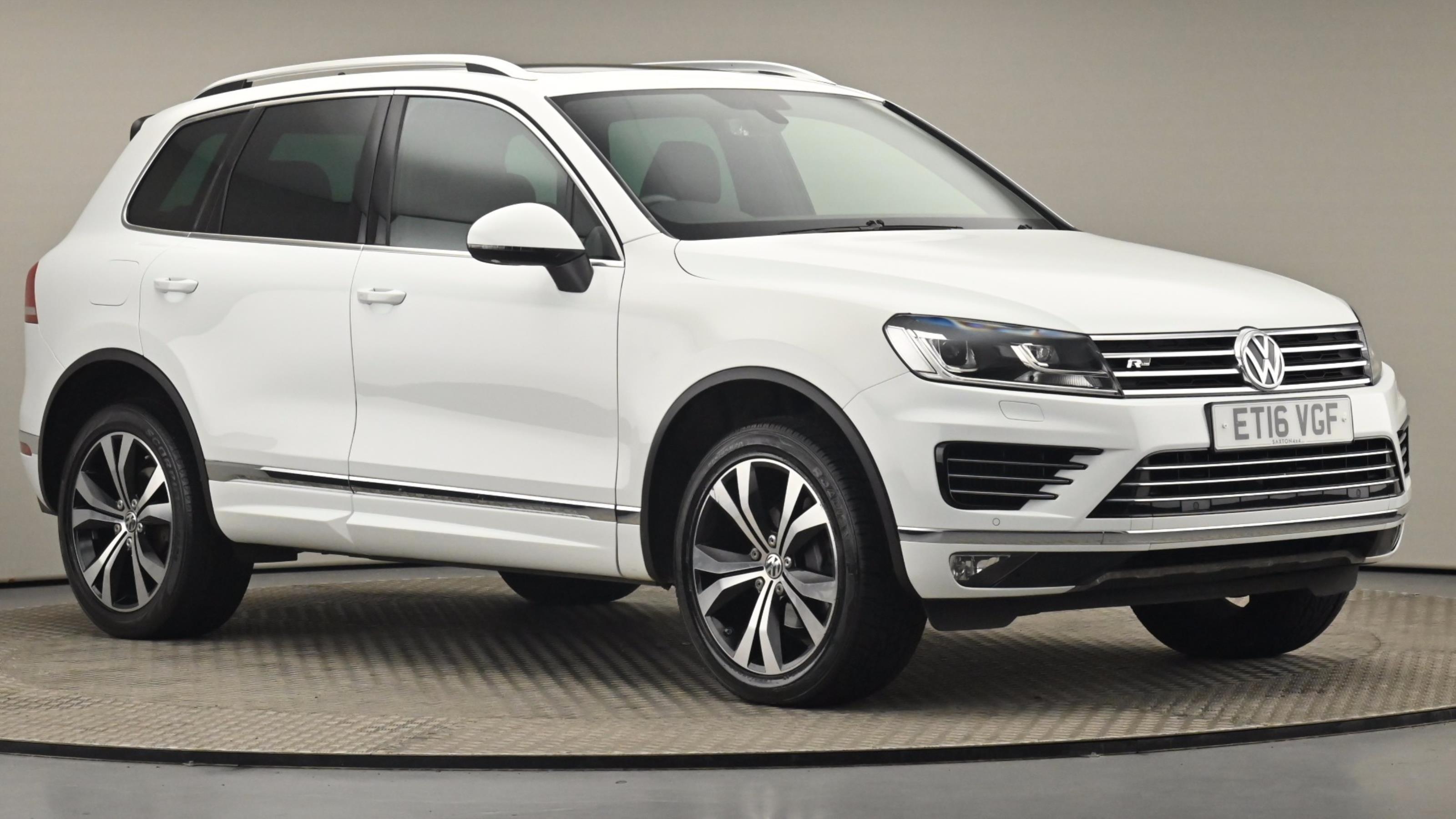 Used 2016 Volkswagen TOUAREG 3.0 V6 TDI BlueMotion Tech 262 R Line 5dr Tip Auto WHITE at Saxton4x4