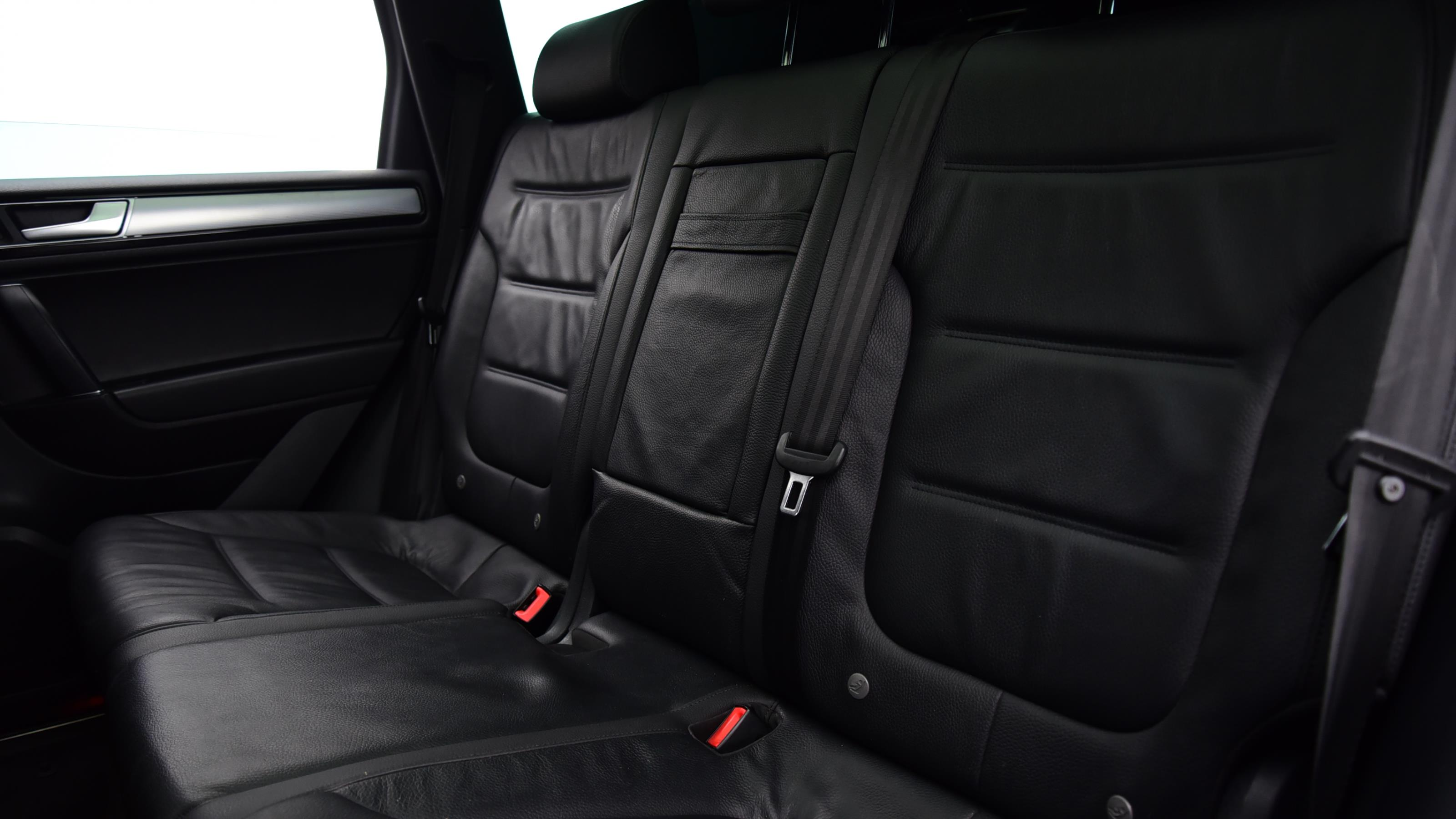 Used 2016 Volkswagen TOUAREG 3.0 V6 TDI BlueMotion Tech 262 R Line 5dr Tip Auto BLUE at Saxton4x4