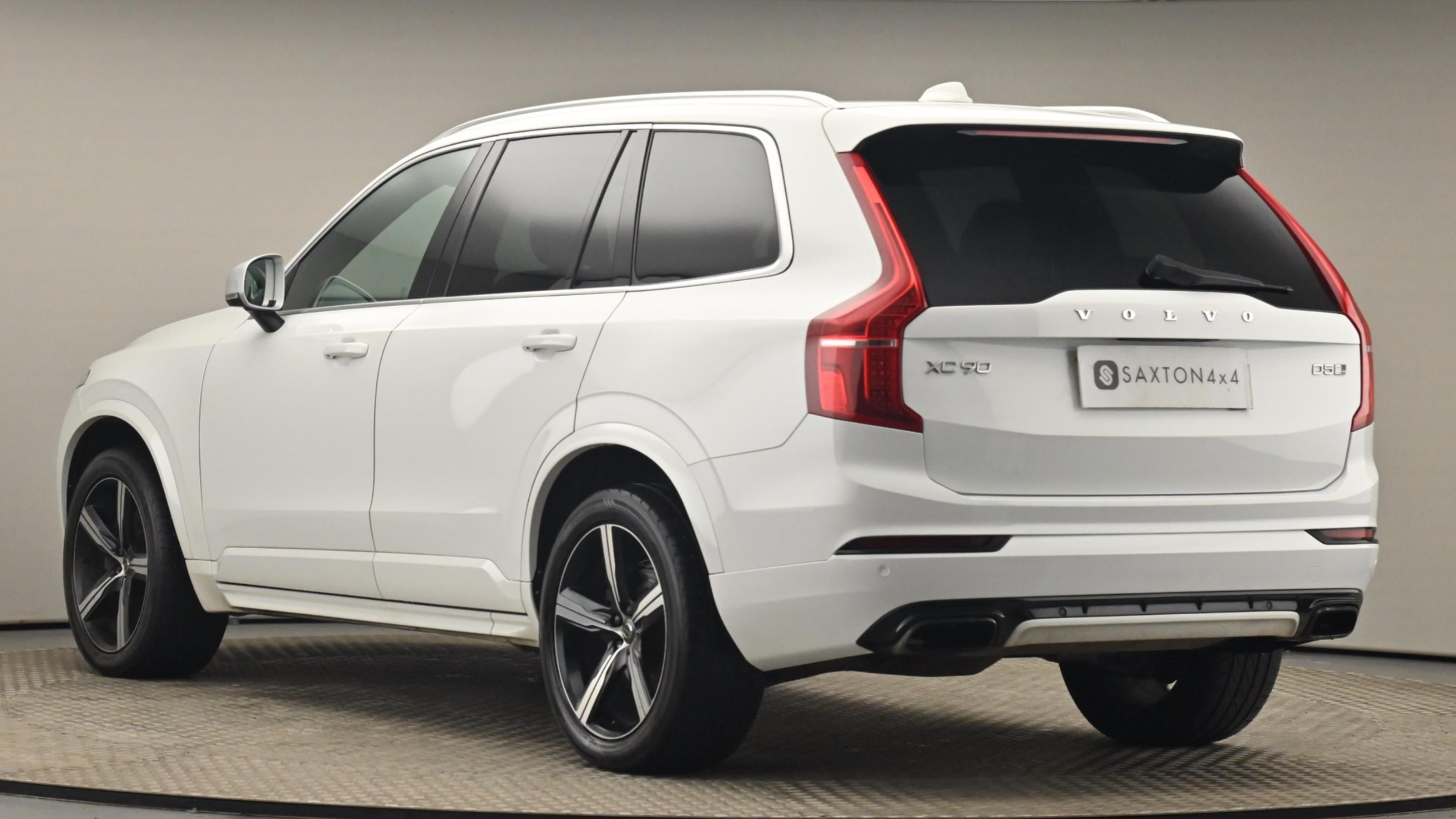 Used 2016 Volvo XC90 2.0 D5 PowerPulse R DESIGN 5dr AWD Geartronic WHITE at Saxton4x4